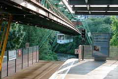 Suspension Line in Wuppertal, Germany | Schwebebahn Wuppertal, Deutschland