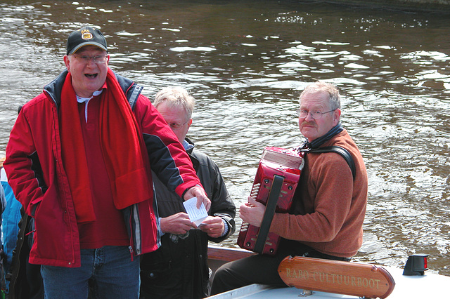 The boat race was accompanied by jolly singing