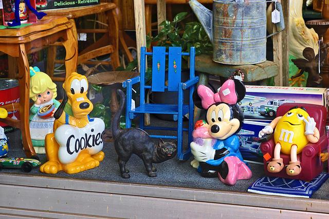 Pluto and Friends – Caroline Street, Fredericksburg, Virginia