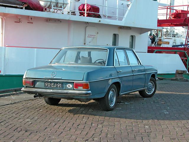 Daily Merc spotting: 1975 Mercedes-Benz 200 D