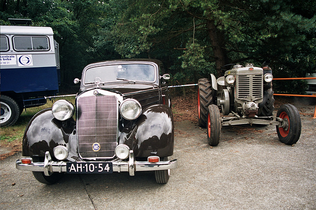 Visiting the Oldtimer Festival in Ravels, Belgium: 1952 Mercedes-Benz 170S and tractor