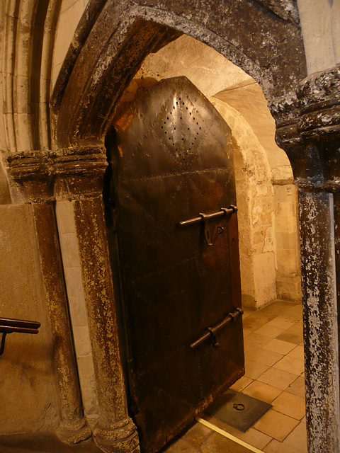 rochester cathedral crypt door