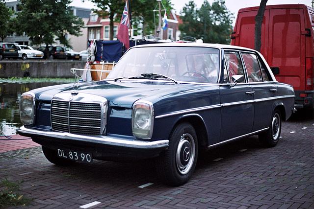 Car spotting: 1971 Mercedes-Benz 230