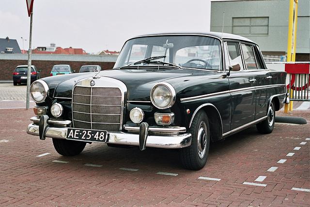Car spotting: 1963 Mercedes-Benz 190 C