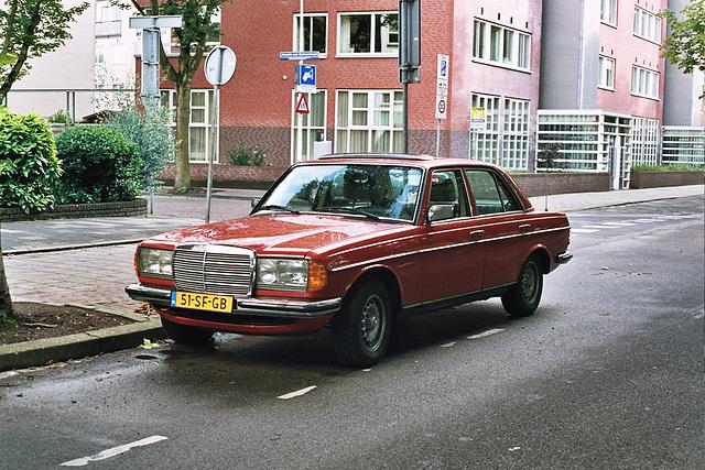 Daily Merc spots: 1978 Mercedes-Benz 240 D