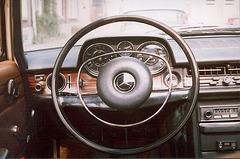 1971 Mercedes-Benz 250 - dashboard