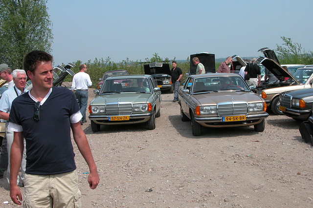 I spend my day at a Mercedes W123-meeting