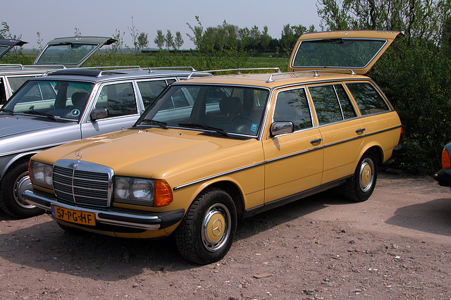 At a Mercedes W123-meeting: 300TD