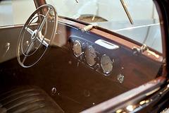 Mercedes 260D Pullman - Interior