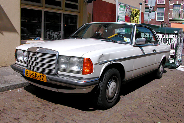 Damaged 1979 Mercedes-Benz 230 C