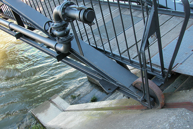 Miscellaneous German shots: Up and down ramp for a ship in the Rhine