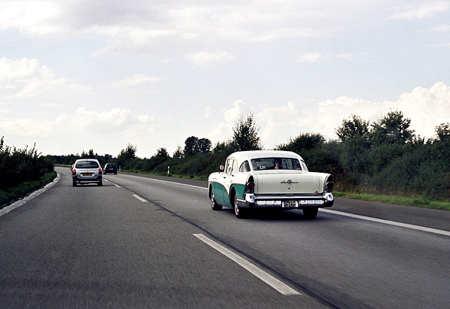 Old Buick spotted on the German Autobahn