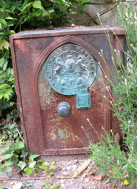 A visit to Wijk bij Duurstede - a Milners safe found in a small courtyard