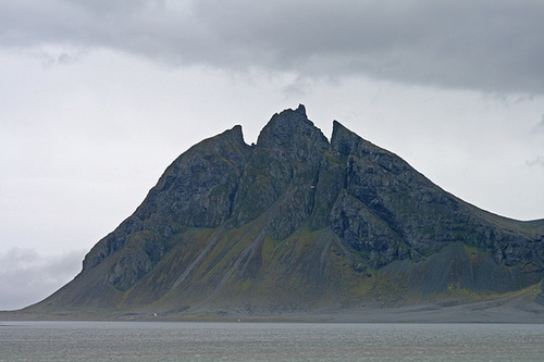 Coastal scenery, east Iceland - Vesturhorn & Brunnhorn