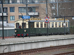 Dutch Railways missing its punctuality target: the delayed train from 1924 arriving at Leiden