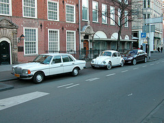 Cars: 1980 Mercedes-Benz 200 D – 1972 Volkswagen Beetle – 2005 Mercedes-Benz S 500