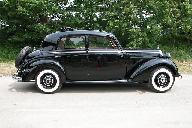 Mercs at the National Oldtimer Day: 1954 Mercedes-Benz 170 SV
