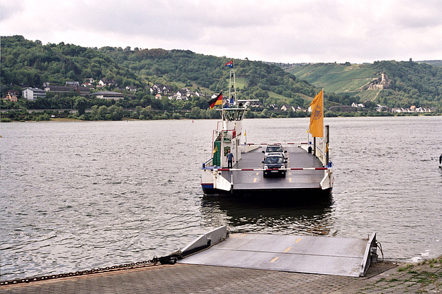 Visiting the Rhine valley in Germany: Ferry