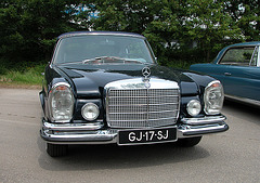 Mercs at the National Oldtimer Day: 1970 Mercedes-Benz 280 SE 3.5 cabriolet