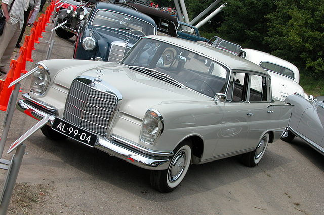 Mercs at the National Oldtimer Day: 1963 Mercedes-Benz 220 S