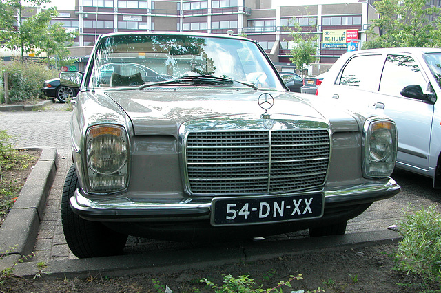 Mercs at the National Oldtimer Day: 1974 Mercedes-Benz 220 D