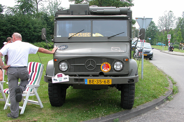 Heavy vehicles at the National Oldtimerday: 1966 Mercedes-Benz Unimog 404 S