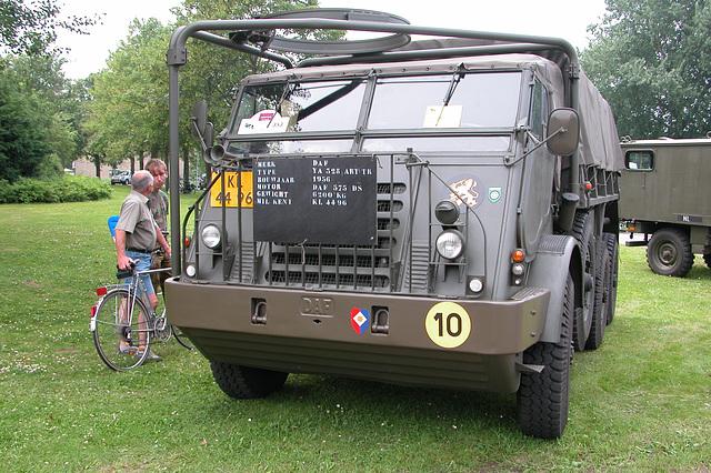 Heavy vehicles at the National Oldtimerday: 1956 DAF YA328
