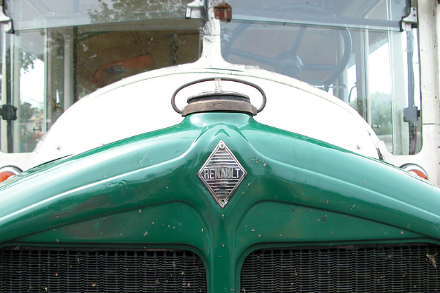 Car Badges at the National Oldtimer Day in Holland: 1933 Renault bus