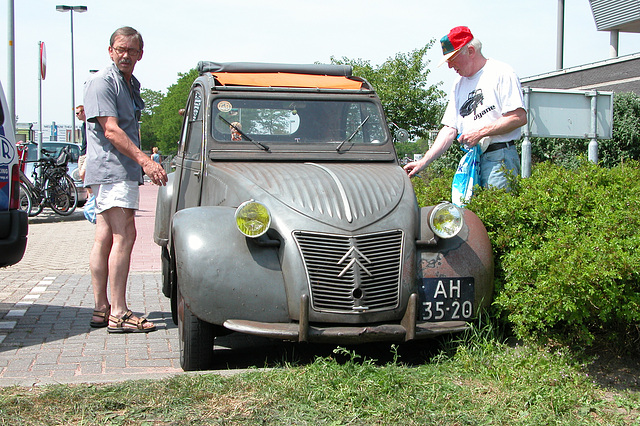 National Oldtimer Day in the Netherlands: 1959 Citroën 2CV
