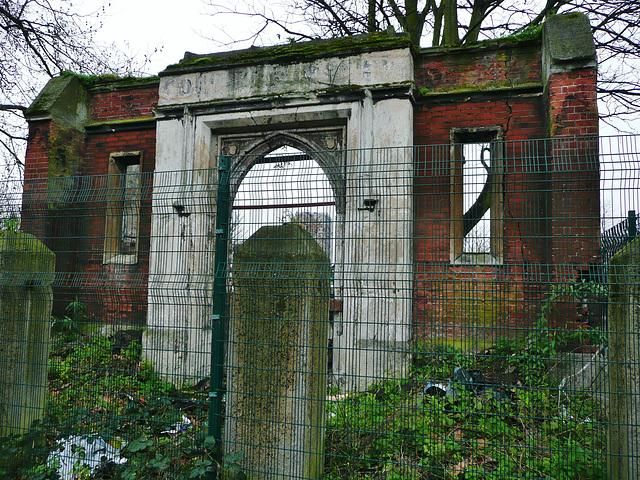 worcester house chapel ruin, stepney green, london