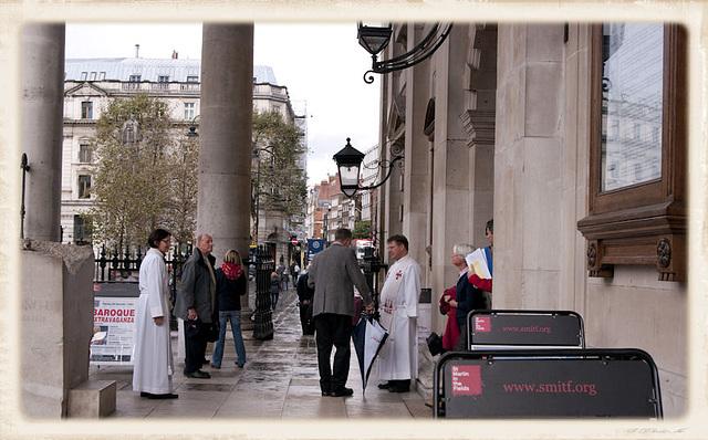 Sortie de la Messe  St Martin-in-the-Fields