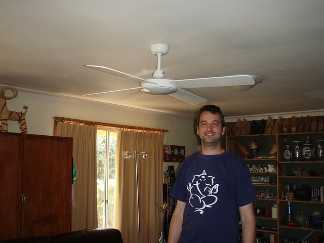 Ad & ceiling fan