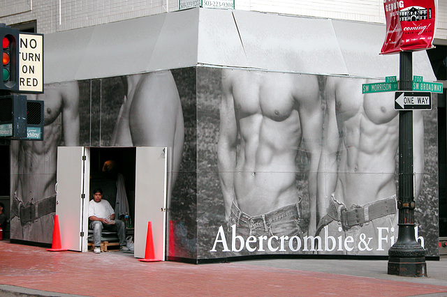 Abercrombie coming to Portland
