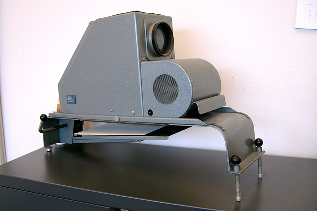 Before there were beamers: Leitz projector