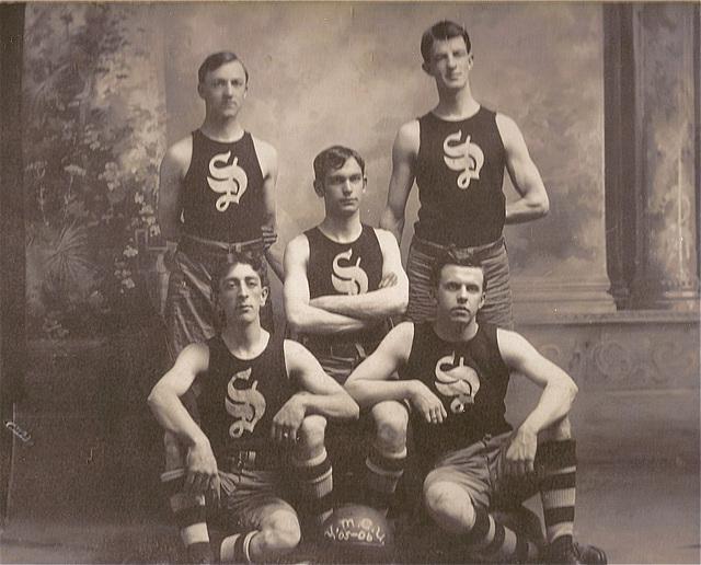 Vermont Basketball Team 1905/06
