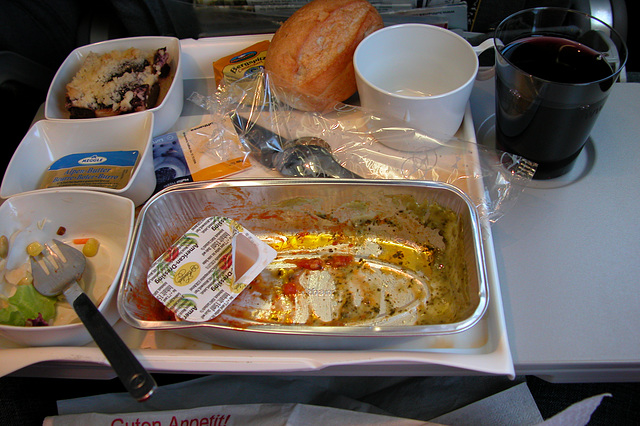 Meals on a plane: Finished the noodles, wine arrived