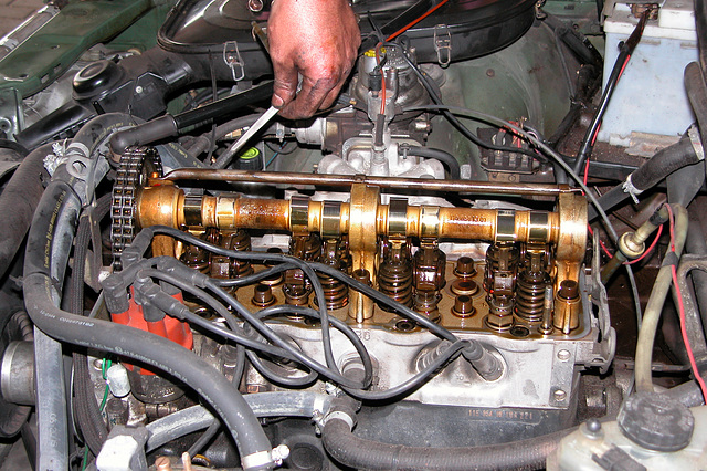 Checking and adjusting valves on a Mercedes-Benz 230 (W123)
