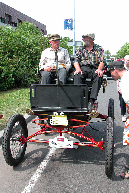 Steam cars at the National Oldtimer Day in Holland: 1902 Waltham