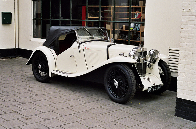 Car spotting: 1933 MG J2