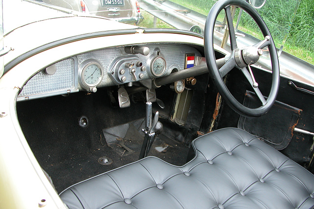 National Oldtimer Day in Holland: 1921 Spijker C4 dashboard