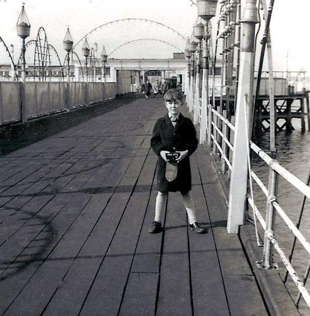 End of Southend Pier 1964, #1 in Southend Series