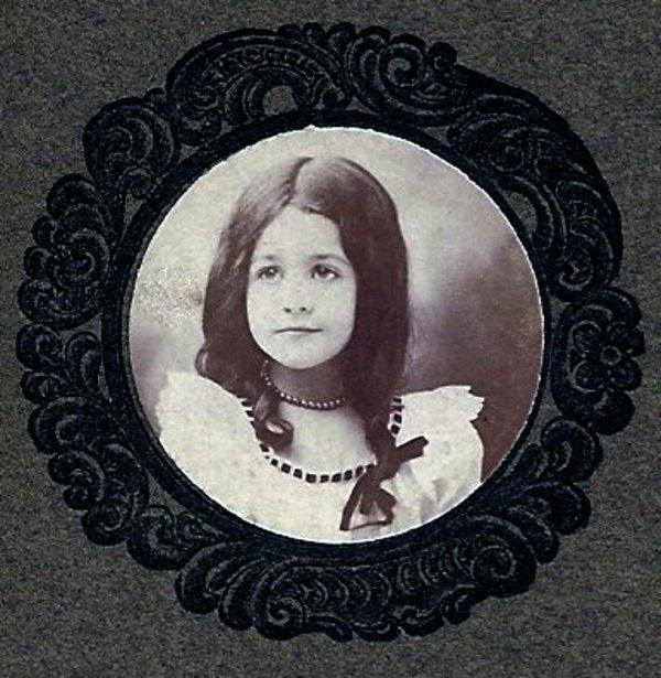 Little Ringlet Girl