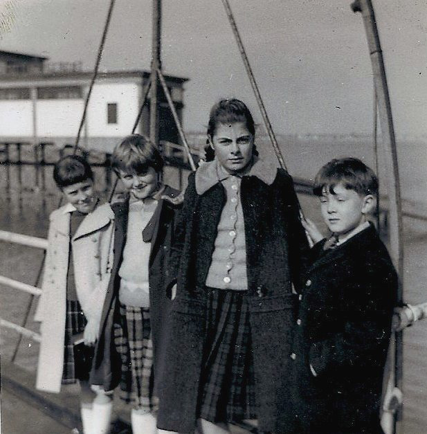 Southend Pier, 1964
