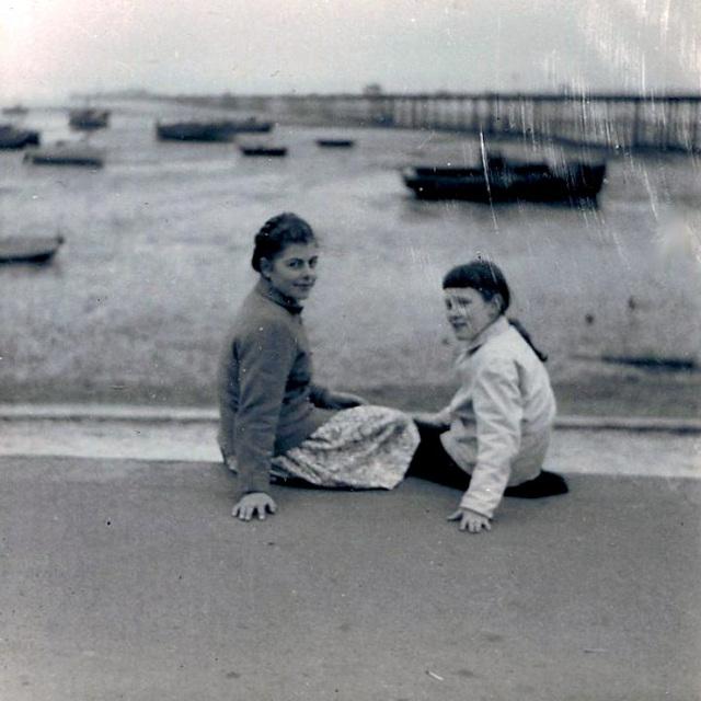 Frances, Me, Southend Pier