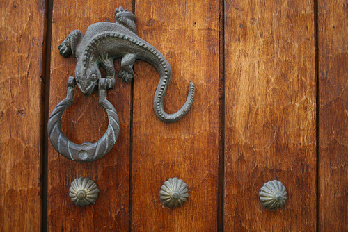 Iguana Door Knocker