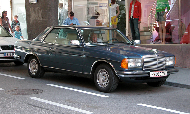 Holiday day 6: Mercedes-Benz 280 CE in Salzburg with owner
