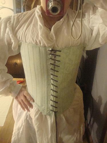 tudor gown 011