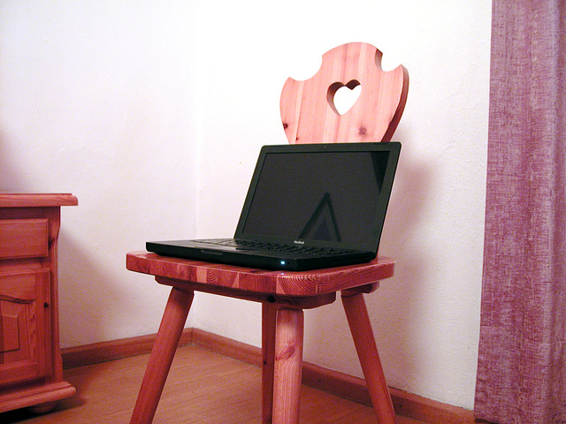 Holiday day 4: Traditional Apple MacBook Chair in Gasthof Emma
