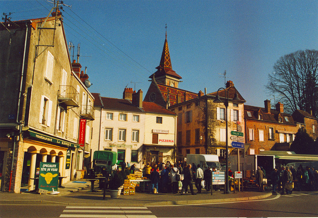 Old pics: Market day in Louhans (Burgundy)