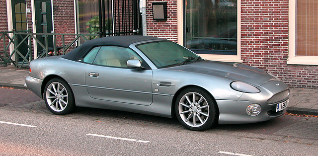 Car spotting: Aston Martin DB7 Vantage